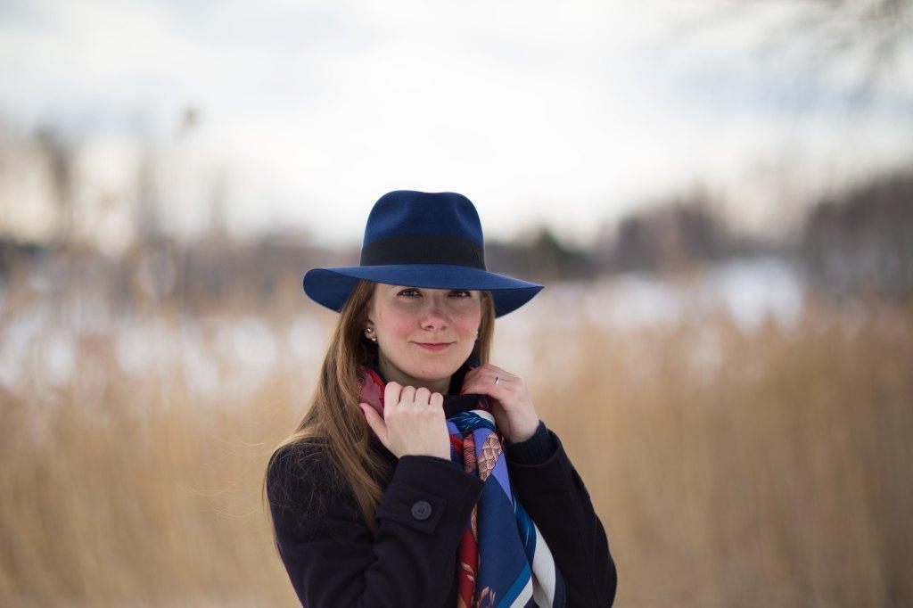 Maison Michel, Henrietta, Cavalleria d'Etriers, cashmere, Hermes, shawl, шляпа, Мэзон Мишель, Эрмес, кашемировая шаль, как красиво завязать платок