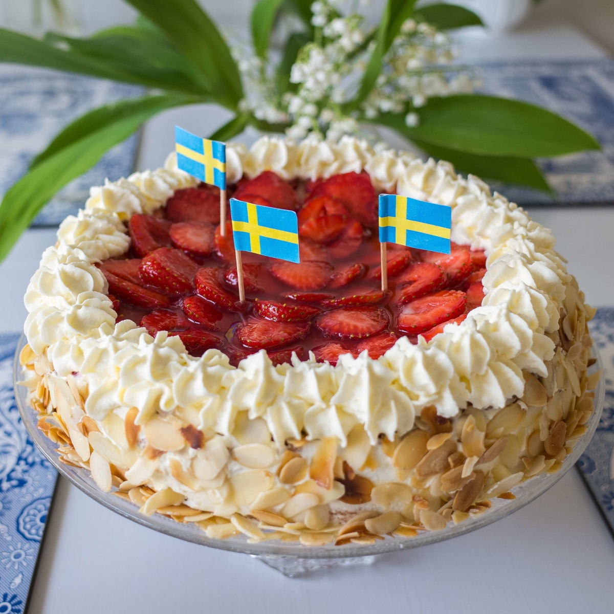 Swedish strawberry cake