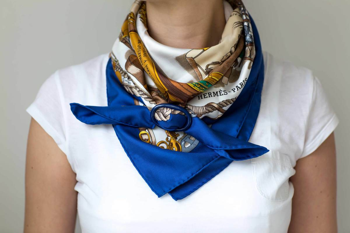 Musee, philippe ledoux, Hermes scarf, cowboy knot, carre, knot, knotting, tutorial, hermes carre, Hermes Schal, эрмес, платок, карре, как красиво завязать платок, how to wear a scarf