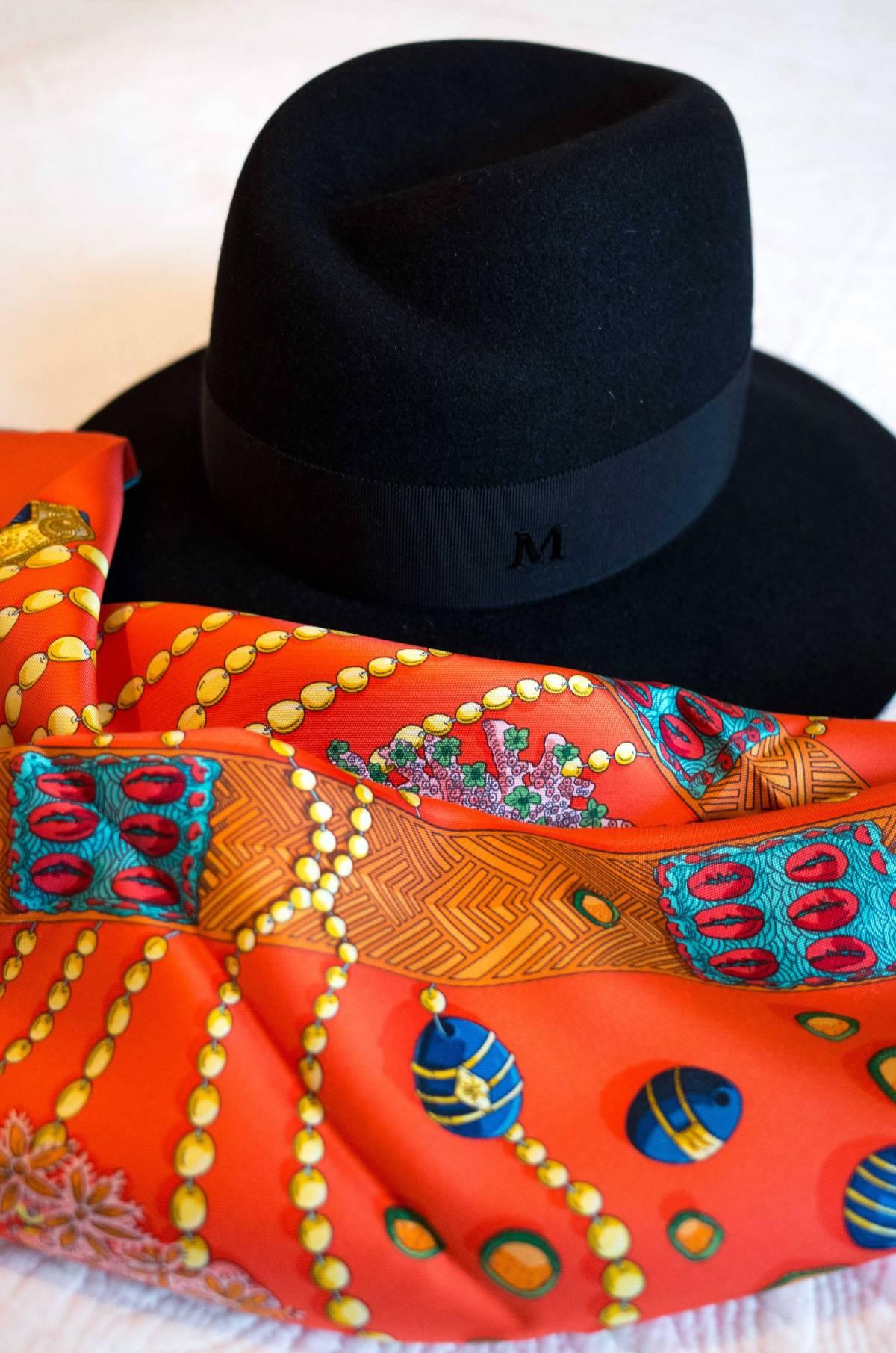 Maison Michel, Virginie, Chemins de Corail, Annie Faivre, Hermes scarf, carre, knot, knotting, tutorial, hermes carre, Hermes Schal, эрмес, платок, карре, как красиво завязать платок, how to wear a scarf