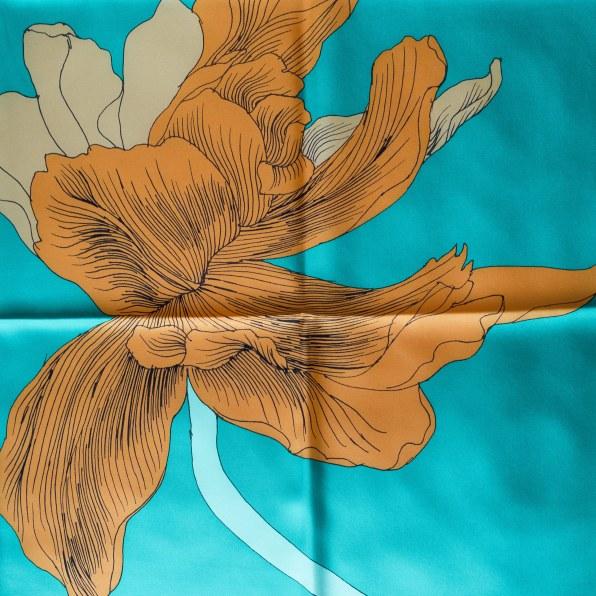 Etude pour un Iris Arc-en-ciel, Hermes scarf, carre, knot, knotting, tutorial, hermes carre, Hermes Schal, эрмес, платок, карре, как красиво завязать платок, how to wear a scarf